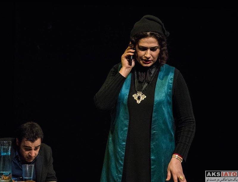 بازیگران بازیگران زن ایرانی  لادن مستوفی در نمایش نویسنده مرده است