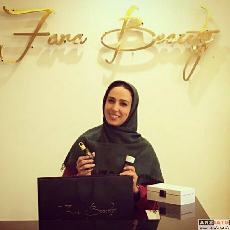 بازیگران بازیگران زن ایرانی  رونمایی سوگل طهماسبی از لوازم آرایشی اش