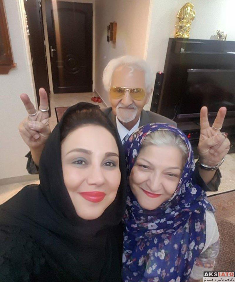 بازیگران بازیگران زن ایرانی  سلفی بهنوش بختیاری با پدر و مادرش در خرداد 96