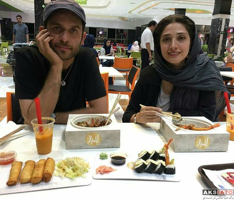 بازیگران زن ایرانی خانوادگی  مینا ساداتی و همسرش بابک حمیدیان در رستوران