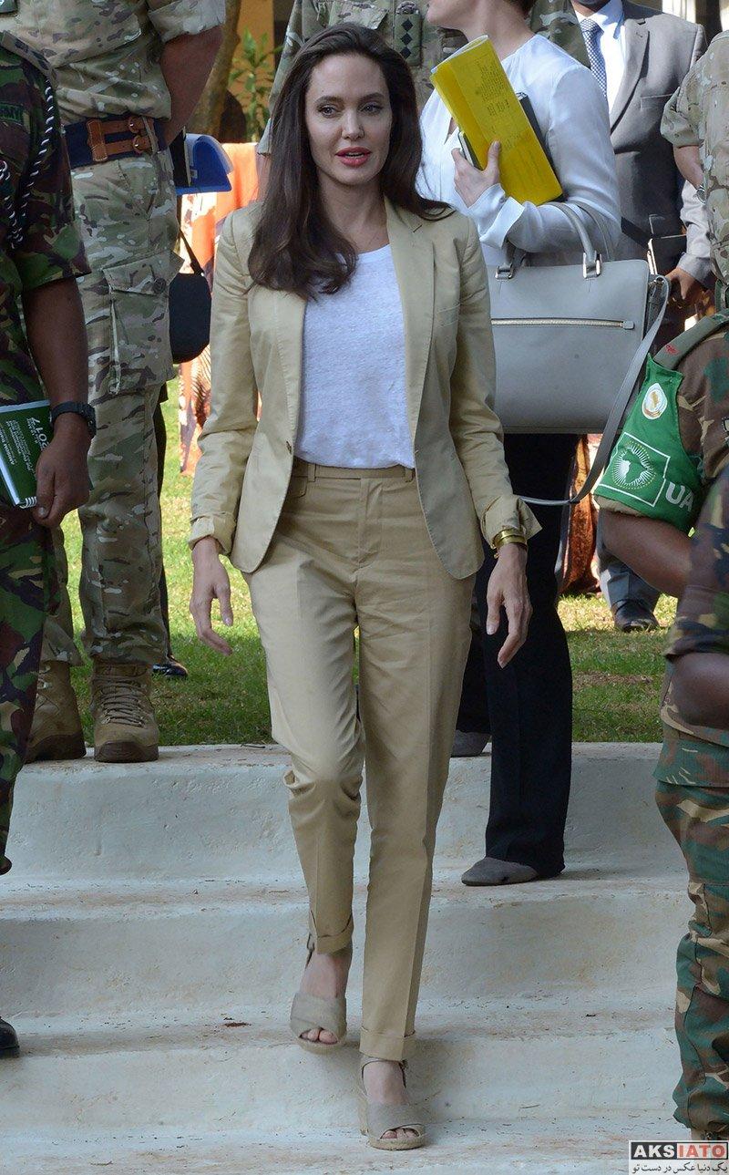بازیگران بازیگران زن خارجی  آنجلینا جولی با کت و شلوار زیبا در کشور کنیا (5 عمس)
