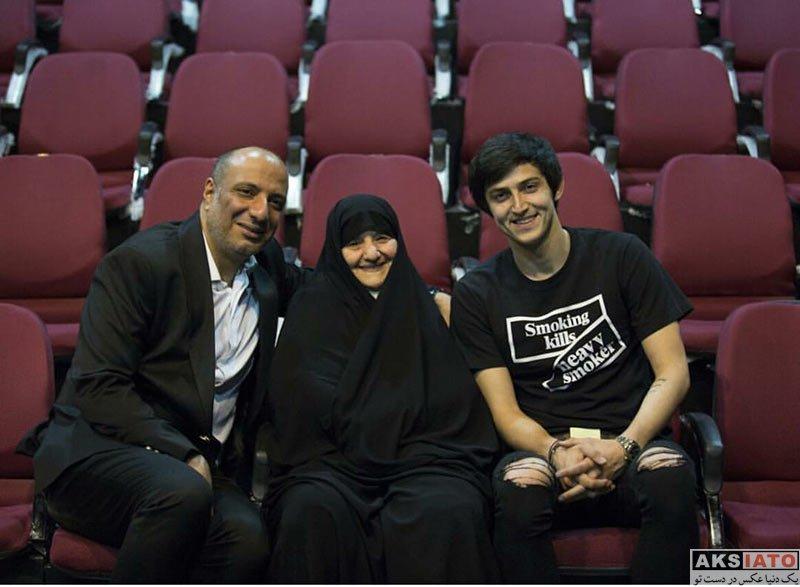 ورزشکاران ورزشکاران مرد  سردار آزمون در کنار امیر جعفری و مادرش