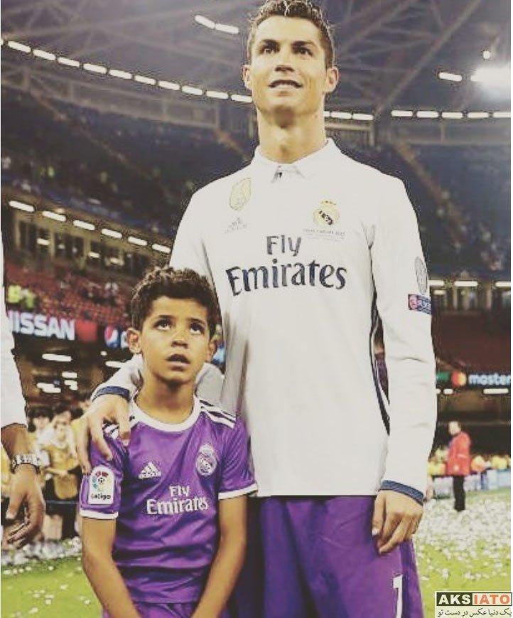 ورزشکاران ورزشکاران مرد  کریستیانو رونالدو به همراه نامزدش در فینال لیگ قهرمان