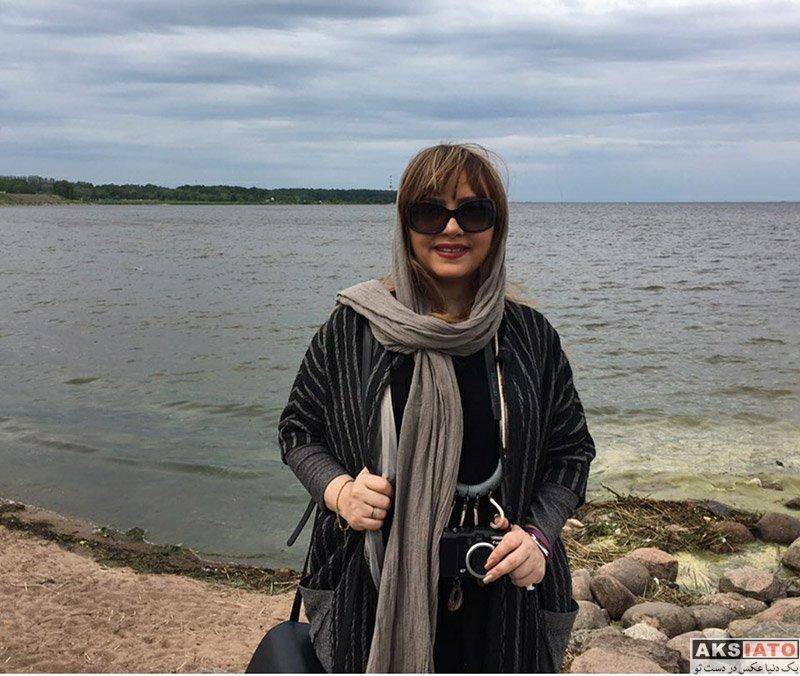 بازیگران بازیگران زن ایرانی  لیلا برخورداری در خلیج فنلاند در روسیه (4 عکس)