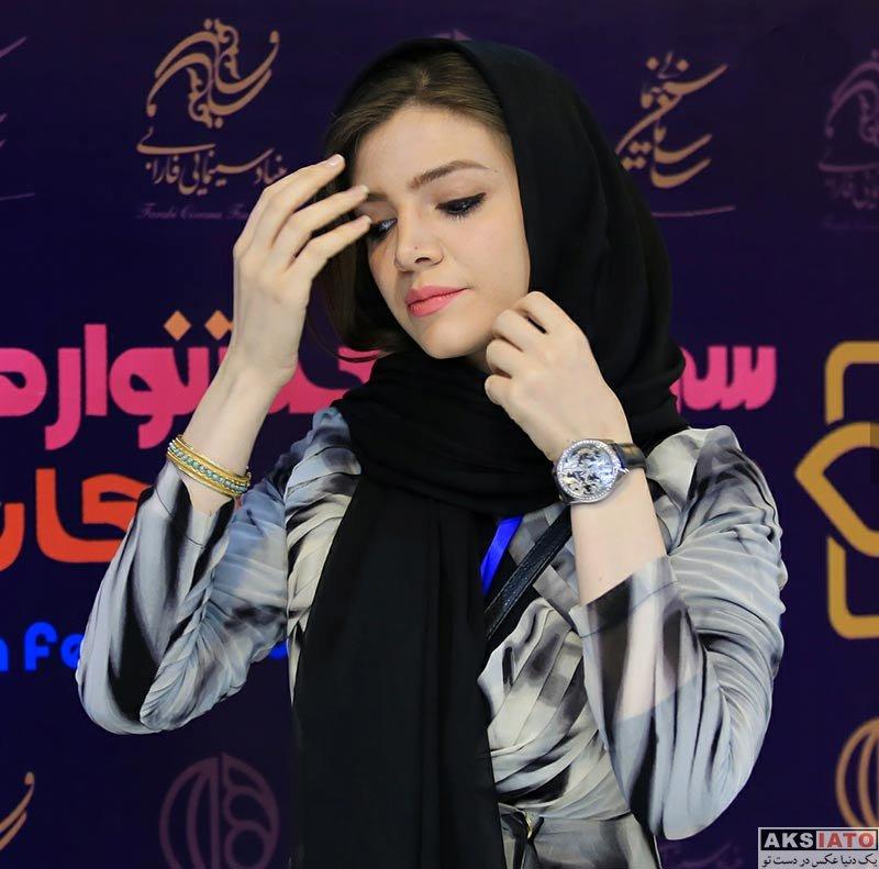 بازیگران بازیگران زن ایرانی  آوا دارویت در اكران فيلم سينمايى اسكى باز (4 عکس)