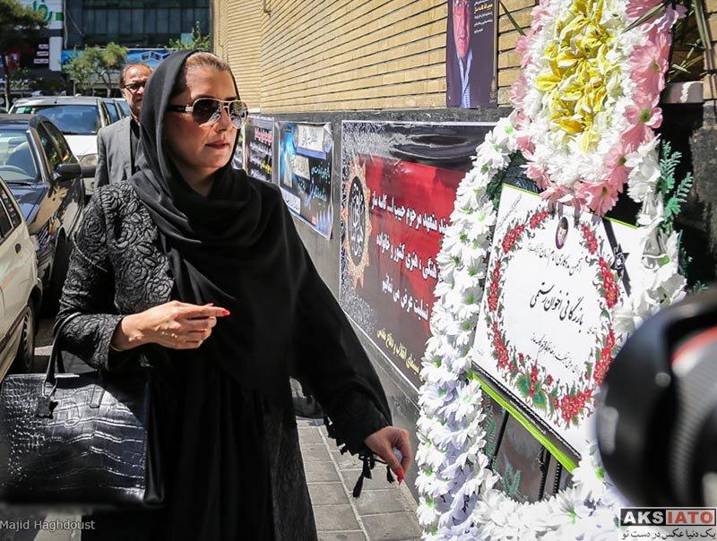 بازیگران بازیگران زن ایرانی  فریبا کوثری در مراسم ترحیم زندهیاد کاسهساز (3 عکس)