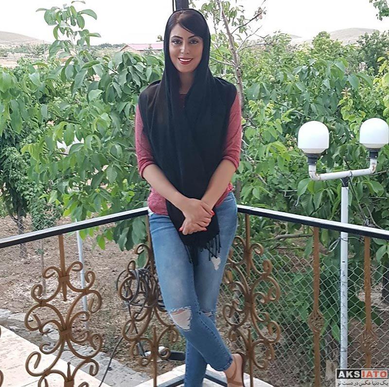 بازیگران بازیگران زن ایرانی  نیلوفر شهیدی و حیوان خانگی اش (3 عکس)