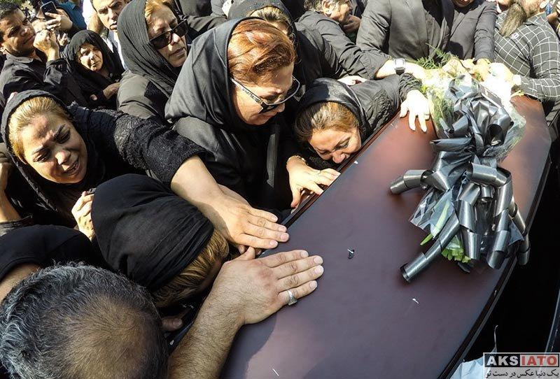 خانوادگی فوت مشاهیر  مراسم تشییع پیکر محمود جهان (12 عکس)