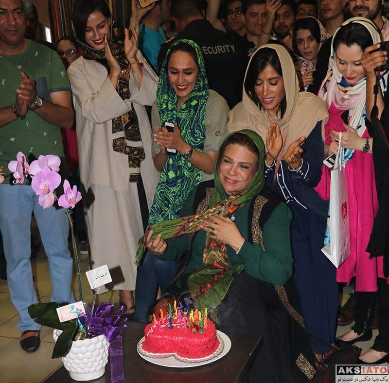 بازیگران بازیگران زن ایرانی جشن تولد ها  جشن تولد گوهر خیراندیش با حضور دختر و دوستانش (5 عکس)