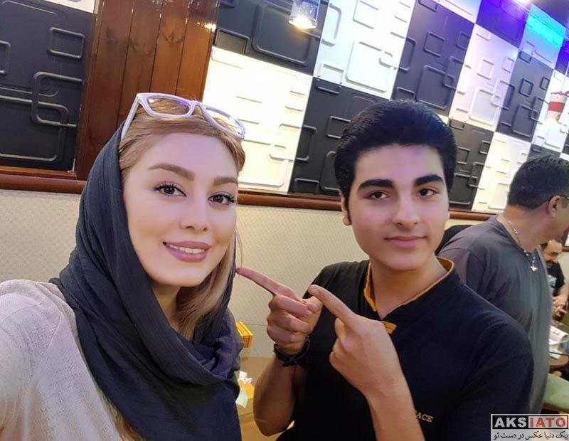 بازیگران بازیگران زن ایرانی  دیدار سحر قریشی با هواداران در سینما ماندانا