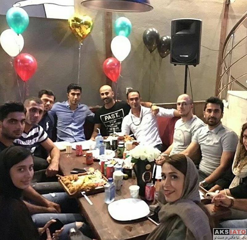جشن تولد ها خانوادگی  جشن تولد مجتبی میرزاجانپور در کنار همسر و دوستانش (3 عکس)
