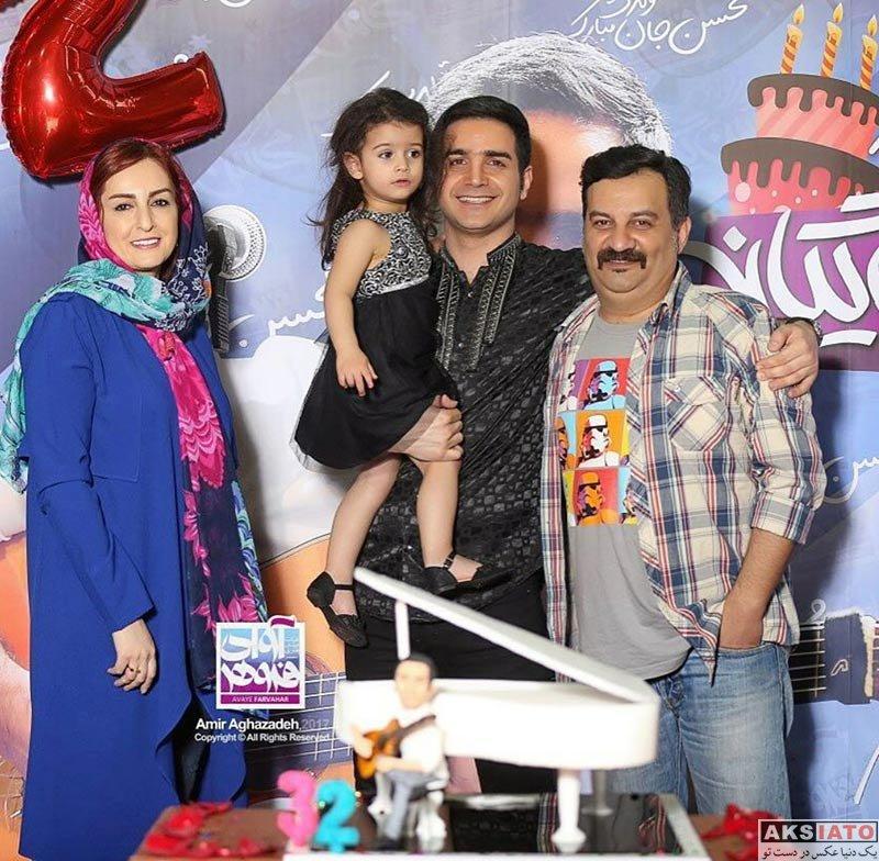 خانوادگی  محسن یگانه و دخترش در کنسرتش در تهران (2 عکس)