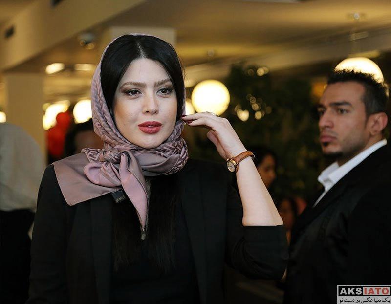 بازیگران بازیگران زن ایرانی  نازنین کریمی در مراسم افتتاح نمایش مرد بالشی (2 عکس)