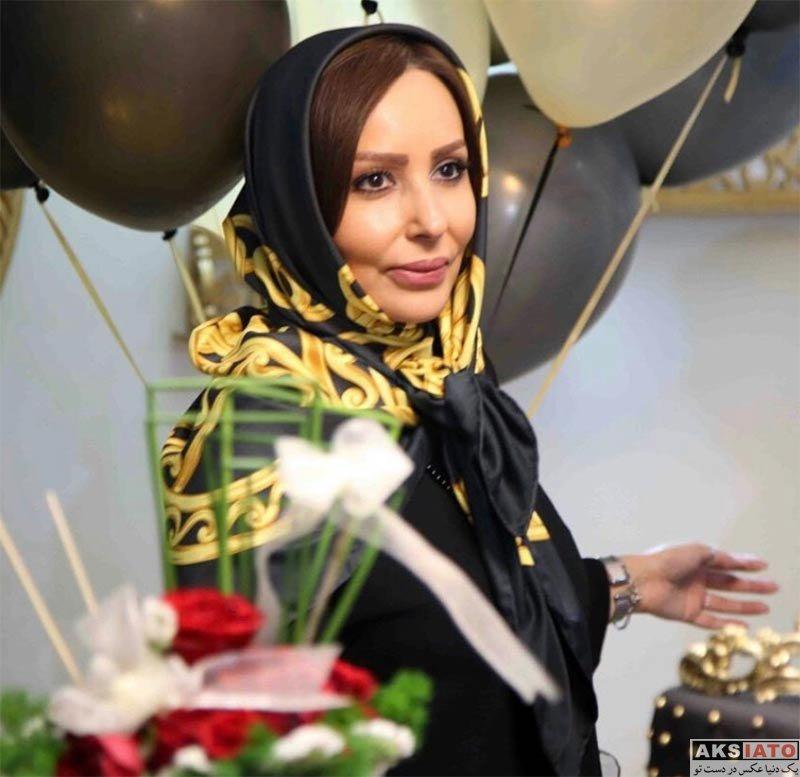 بازیگران بازیگران زن ایرانی  پرستو صالحی در افتتاحیه سالن زیبایی دنیز (4 عکس)