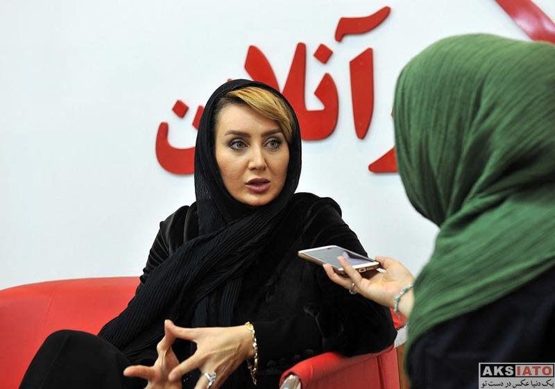 بازیگران بازیگران زن ایرانی  سولماز حصاری در بیست و سومین نمایشگاه مطبوعات (۳ عکس)