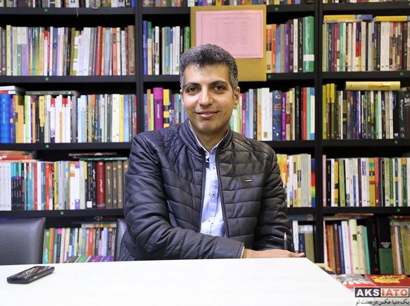 بازیگران مجریان  عادل فردوسی پور در مراسم امضای کتابش به نفع زلزله زدگان