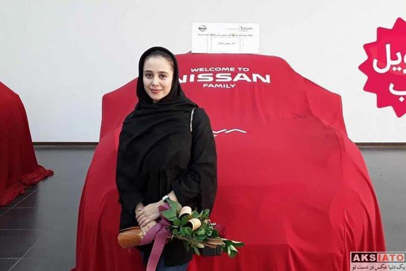 بازیگران بازیگران زن ایرانی  الناز حبیبی در نمایندگی فروش نیسان (2 عکس)