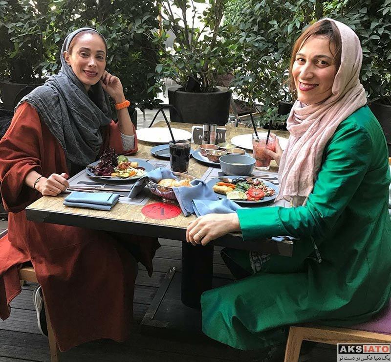 بازیگران بازیگران زن ایرانی  دورهمی فلامک جنیدی با سحر زکریا در یک کافه
