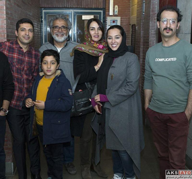 بازیگران بازیگران زن ایرانی  آناهیتا درگاهی در پشت صحنه نمایش در انتظار آدولف (4 عکس)