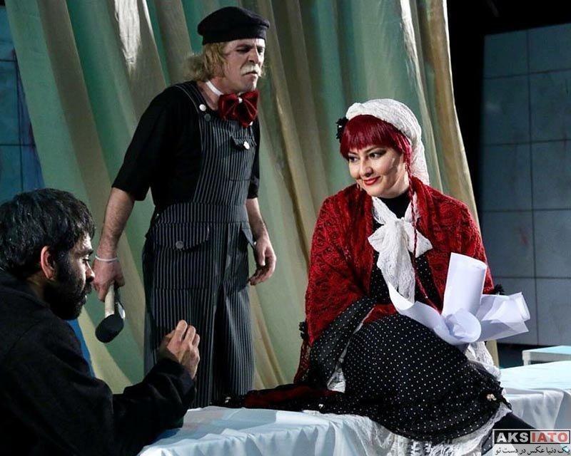 بازیگران بازیگران زن ایرانی  آناهیتا همتی با گریم جالب در نمایش تنهایی پرهیاهو (4 عکس)