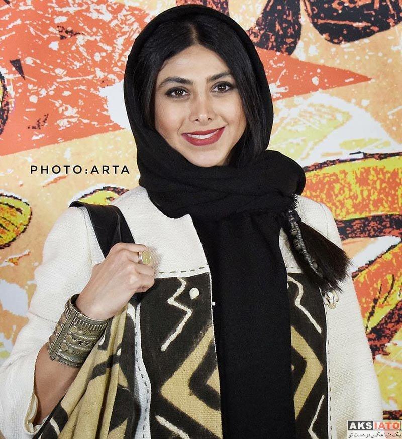 بازیگران بازیگران زن ایرانی  آزاده صمدی در جشن مجله چلچراغ (4 عکس)