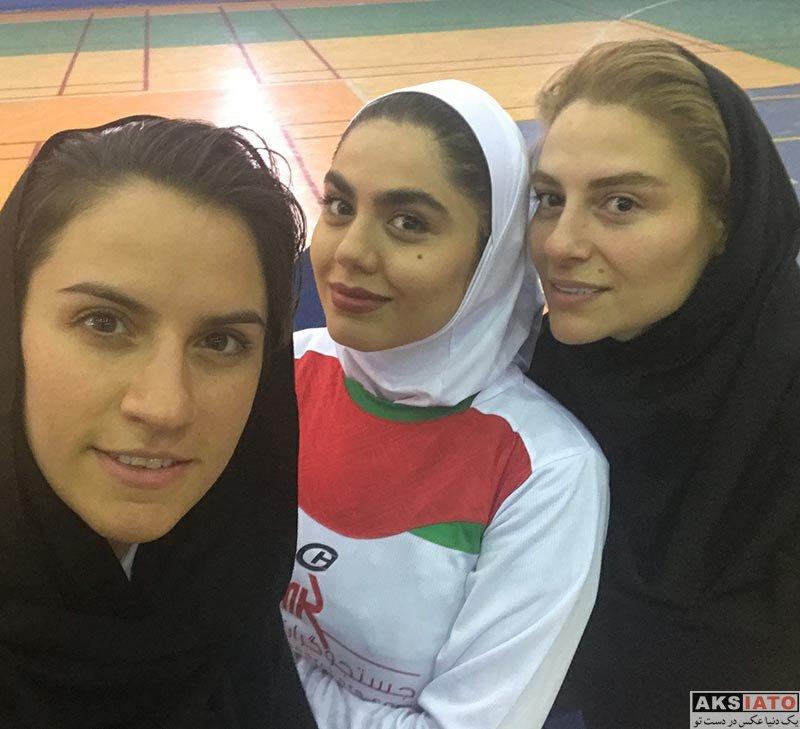 بازیگران بازیگران زن ایرانی  آزاده زارعی در مسابقه فوتسال بانوان هنرمند (4 عکس)