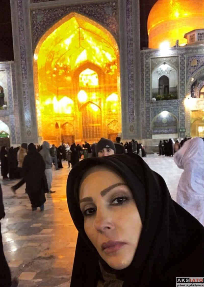 بازیگران بازیگران زن ایرانی  پرستو صالحی در چادر در حرم امام رضا (2 عکس)