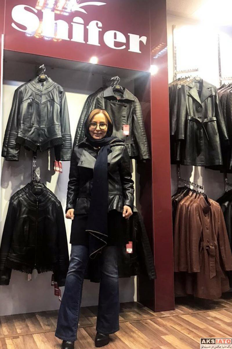بازیگران بازیگران زن ایرانی  پرستو صالحی در فروشگاه کیف و کفش برند شیفر (2 عکس)