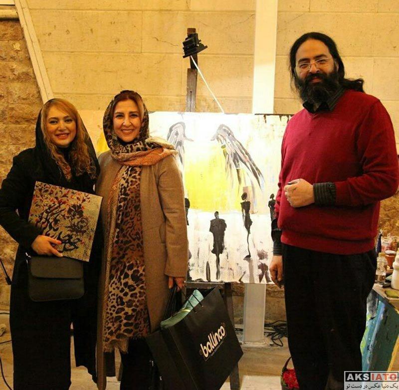 بازیگران بازیگران زن ایرانی  صبا کمالی در نمایشگاه نقاشی ماهیار چرمچی