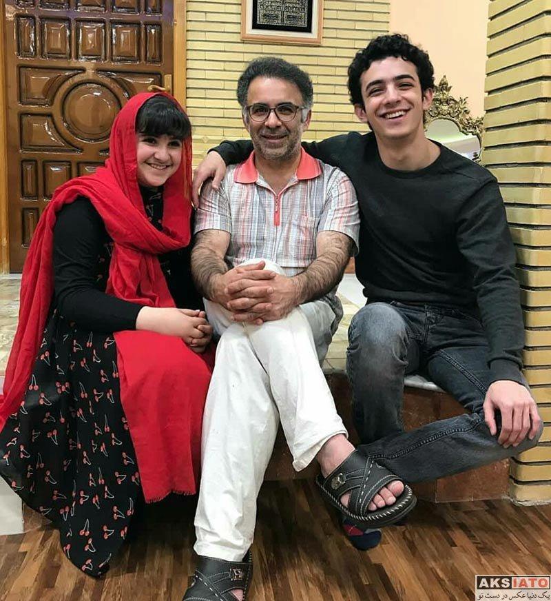 بازیگران بازیگران مرد ایرانی  علی شادمان در کنار پدر و خواهرش