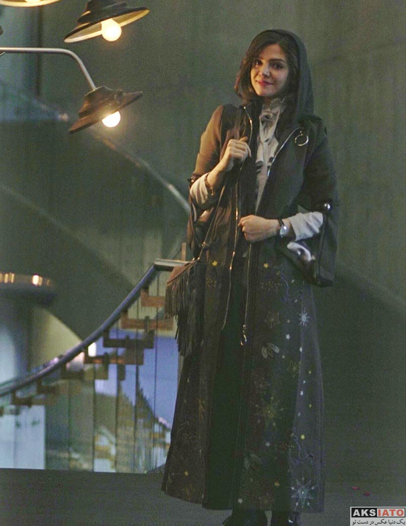 بازیگران بازیگران زن ایرانی  آوا دارویت در مراسم اکران خصوصی فیلم اسکی باز (4 عکس)