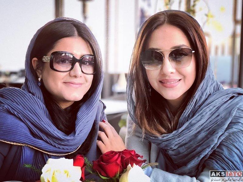بازیگران بازیگران زن ایرانی  دورهمی بهاره کیان افشار و دوستش در یک کافه (2 عکس)