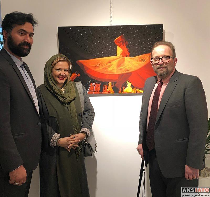 بازیگران  بهاره رهنما و همسرش در نمایشگاه بابک برزویه (2 عکس)