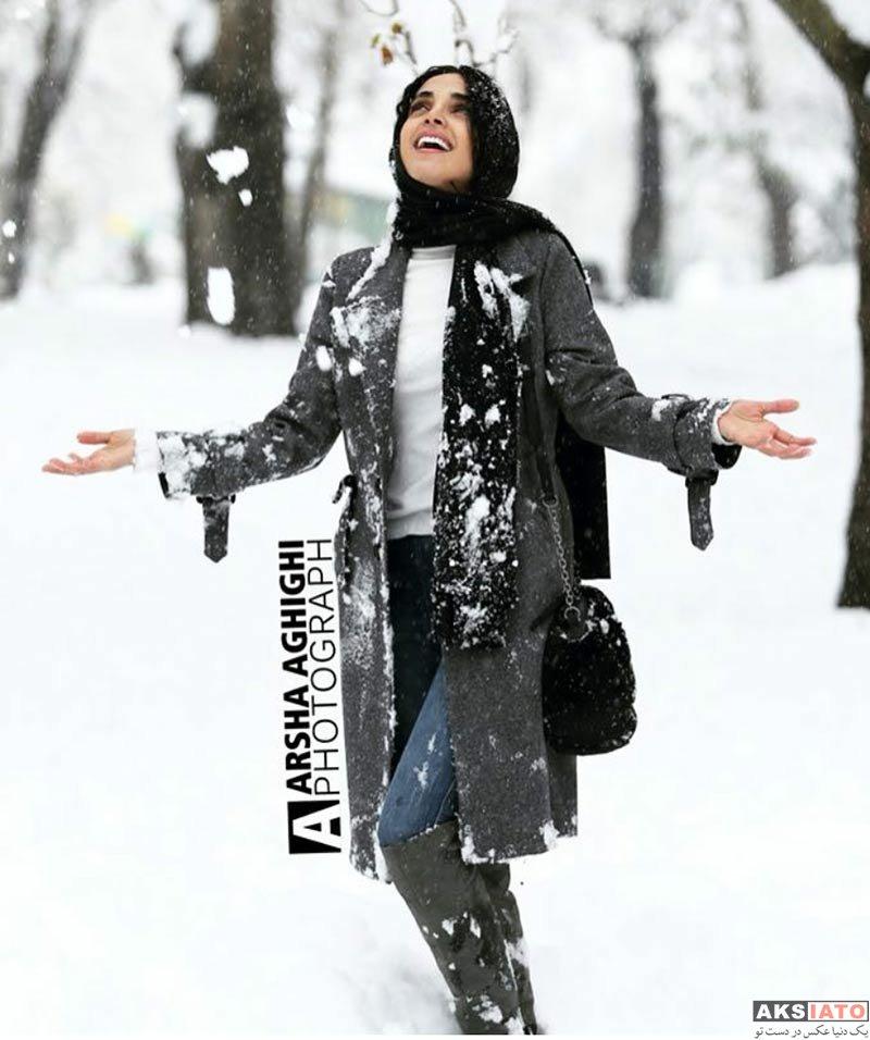 بازیگران بازیگران زن ایرانی  الهه حصاری در روز برفی تهران در بهمن ماه 96 (3 عکس)