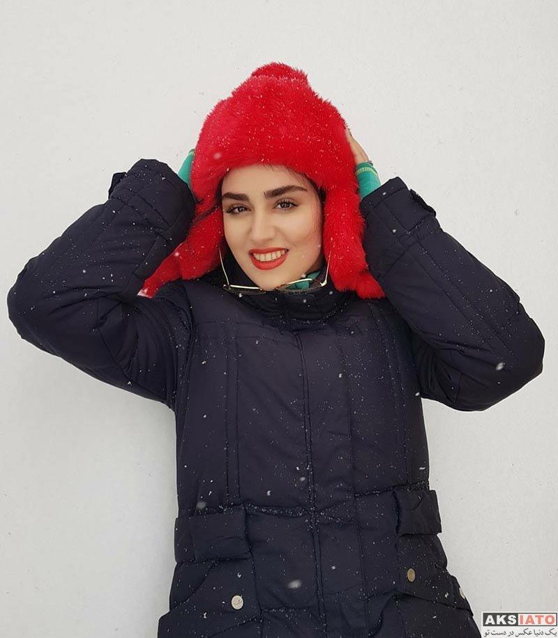 بازیگران بازیگران زن ایرانی  هانیه غلامی در روز برفی بهمن ماه ۹۶ (4 عکس)