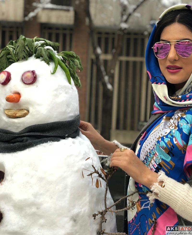 بازیگران بازیگران زن ایرانی  هلیا امامی در روز برفی تهران در بهمن ماه ۹۶ (4 عکس)
