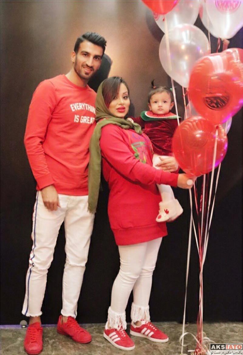 خانوادگی ورزشکاران  حسین ماهینی به همراه همسرش در کافه شایورد (3 عکس)