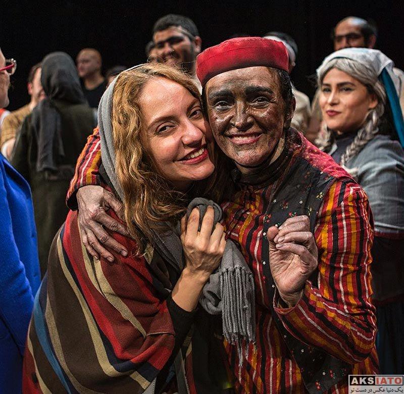 بازیگران بازیگران زن ایرانی  مهناز افشار در اجرای نمایش شیرهای خان بابا سلطنه (2 عکس)