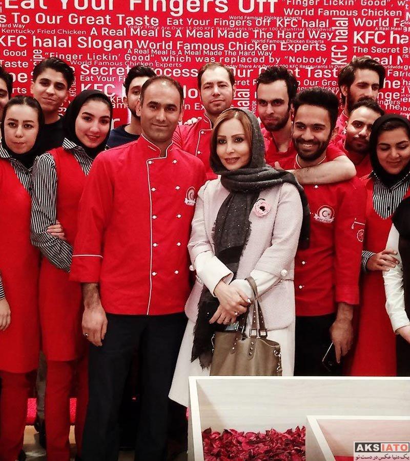 بازیگران بازیگران زن ایرانی  پرستو صالحی در افتتاحیه کی اف اسی حلال مشهد (2 عکس)