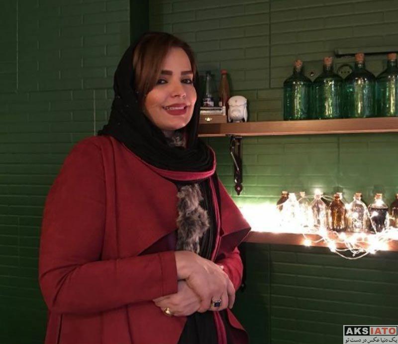 بازیگران بازیگران زن ایرانی  سپیده خداوردی در کافه برادرش در خیابان حافظ (4 عکس)