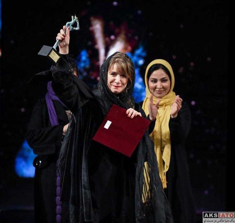 بازیگران بازیگران زن ایرانی  ستاره پسیانی در اختتامیه سی و ششمین جشنواره تئاتر فجر (4 عکس)