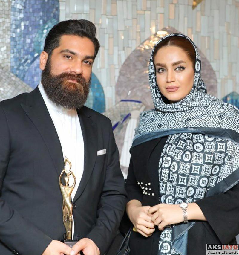 خوانندگان  علی زند وکیلی در کنار خانوم خواننده