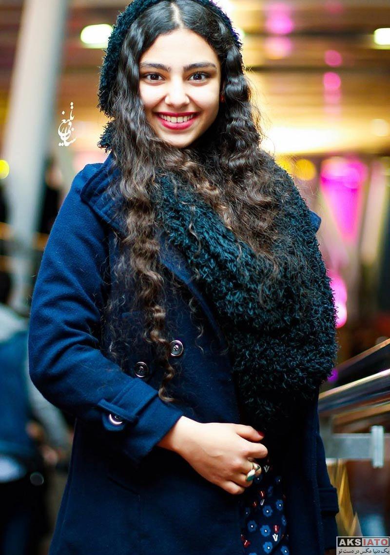 بازیگران بازیگران زن ایرانی  ستایش محمودی در اکران خصوصی فیلم بلوک 9 خروجی 2 (3 عکس)