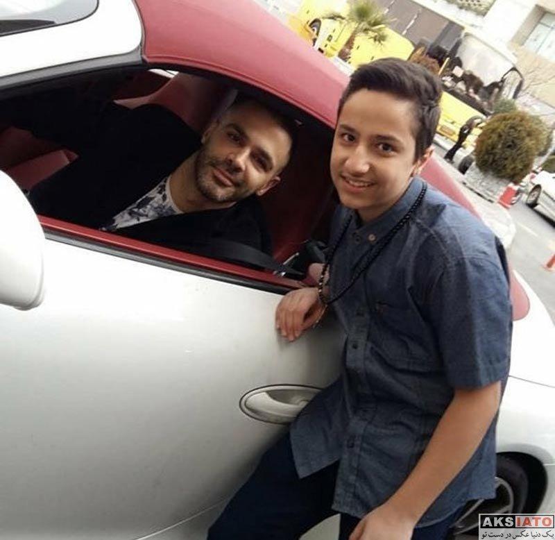 خوانندگان  عکس سیروان خسروی و خودروی سوپر لوکسش