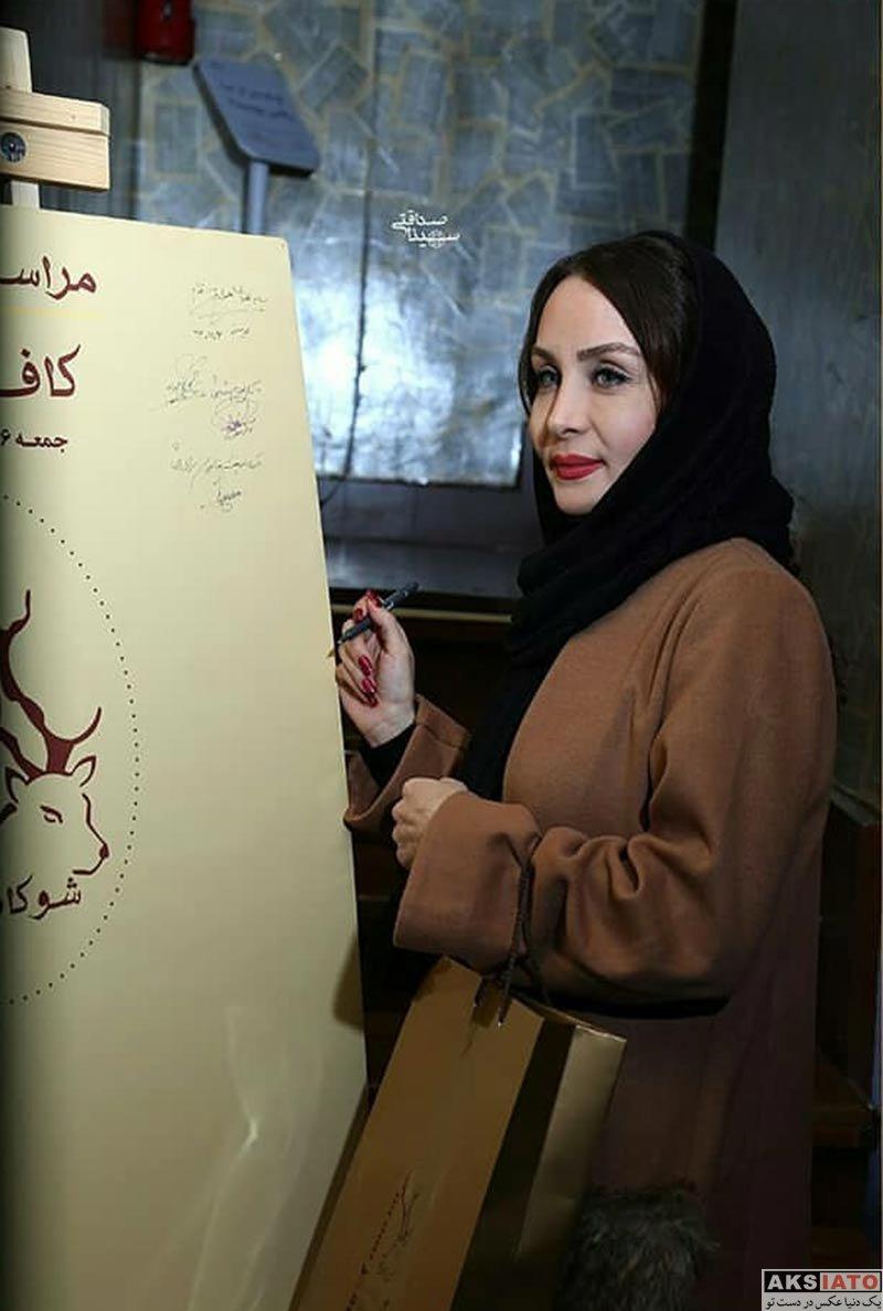 بازیگران بازیگران زن ایرانی  حدیث فولادوند در افتتاحیه کافه شوکا (4 عکس)