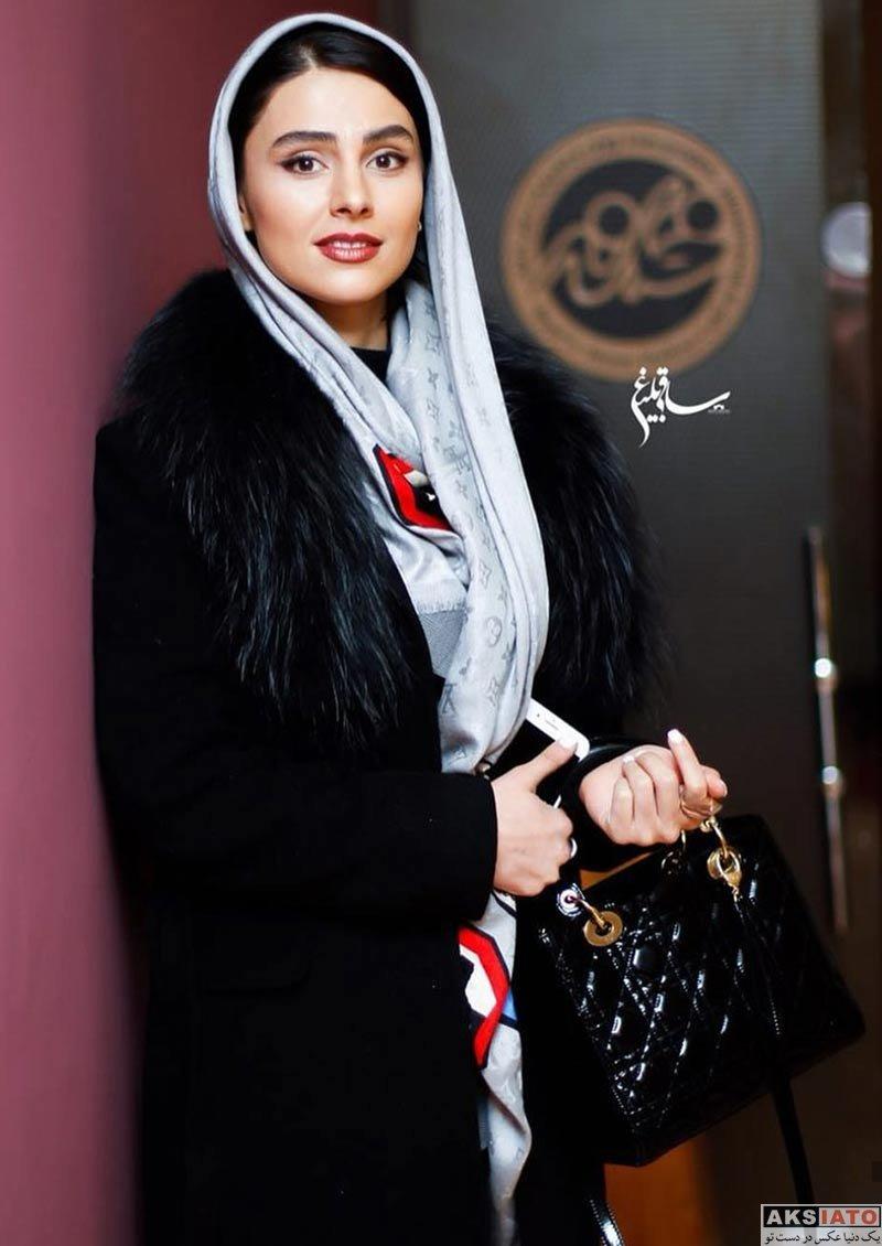بازیگران بازیگران زن ایرانی  لاله مرزبان در اجرای نمایش هیجده (3 عکس)