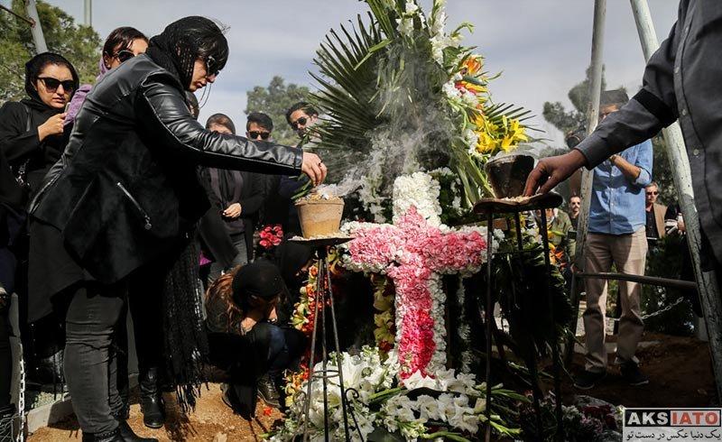 فوت مشاهیر  عکس های مراسم تشییع و خاکسپاری لوون هفتوان (10 تصویر)