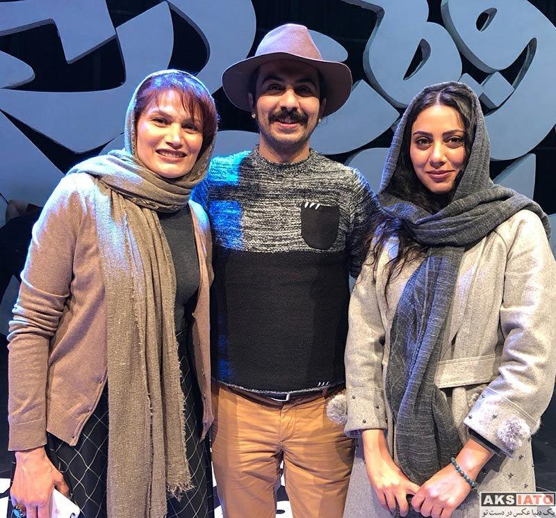 بازیگران بازیگران زن ایرانی  مونا فرجاد در اجرای نمایش شب دشنه های بلند (3 عکس)