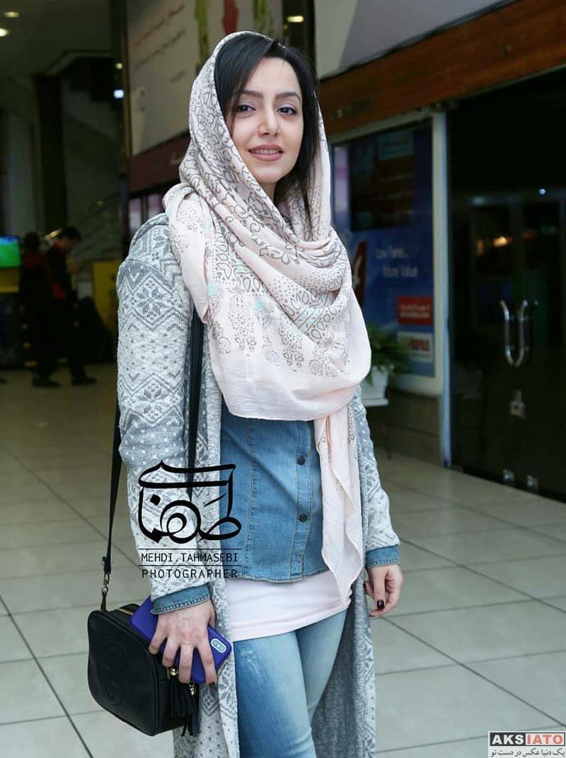 بازیگران بازیگران زن ایرانی  نازنین بیاتی در اکران مردمی فیلم آینه بغل در سینما جوان (8 عکس)
