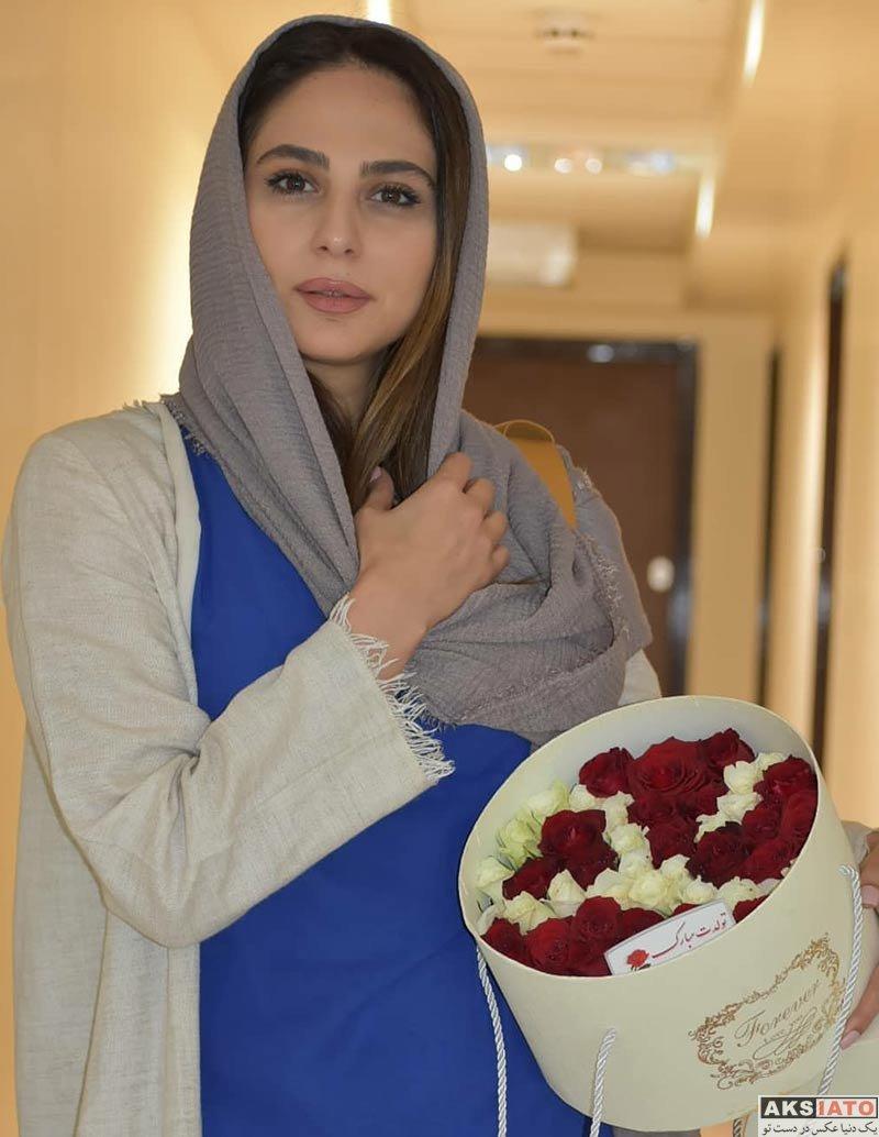 بازیگران بازیگران زن ایرانی  رعنا آزادی ور در اکران مردمی فیلم لونه زنبور (5 عکس)